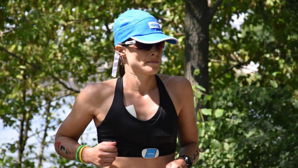 Ironman Frankfurt Sarah True auf der Marathonstrecke