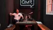 Philipp Westermeyer hat mit den Online Marketing Rockstars (OMR) eines der größten Werbe-Events Europas geschaffen. Im Mai kamen 50.000 Besucher nach Hamburg. Westermeyers Podcasts werden von ähnlich vielen Menschen gehört.