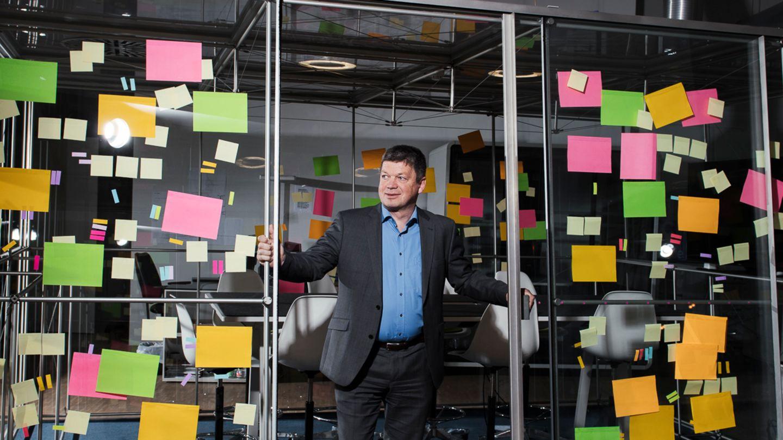 Kein Freund der Zettelwirtschaft: Mit seiner Software C-Placehilft Gründer Rupert Stuffer großen Konzernen, ihre Projekte besser zu organisieren.