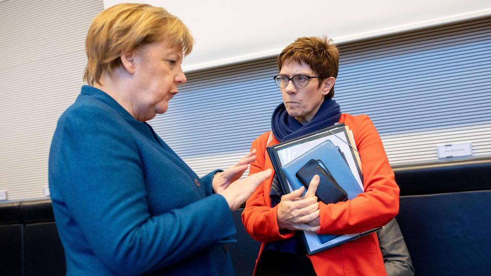 CDU-Parteichefin Annegret Kramp-Karrenbauer und Bundeskanzlerin Angela Merkel