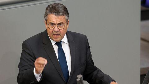Ex-SPD-Chef Sigmar Gabriel spricht im Deutschen Bundestag