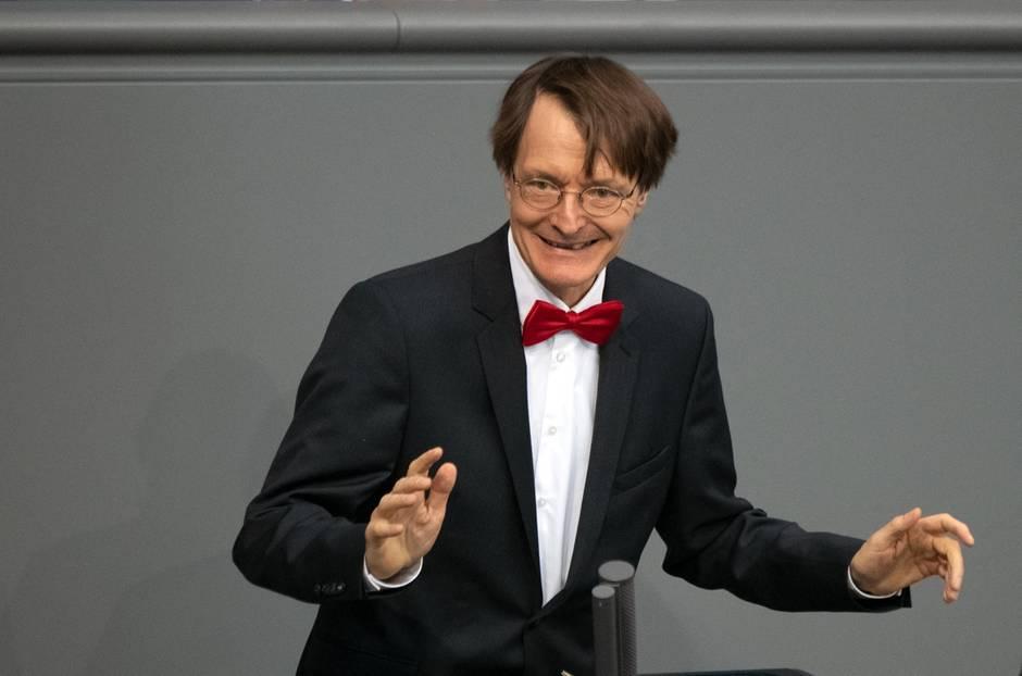 SPD-Gesundheitsexperte Karl Lauterbach spricht im Bundestag