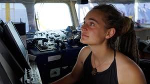 "Carola Rackete an Bord der ""Sea Watch 3""."