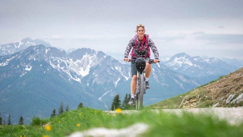 Auf dem Mountainbike durch Bayerns Berge: Sabrina Stadler