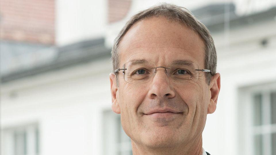 Univ.-Prof. Dr. Walter Obwexer