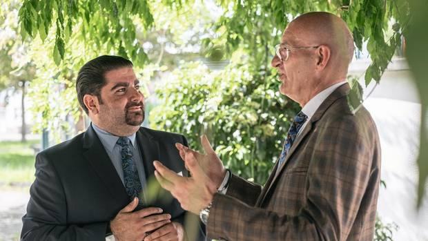 SPD-Stadtchef Serhat Sarikaya (l.) mit Bürgermeister Ralph Brodel