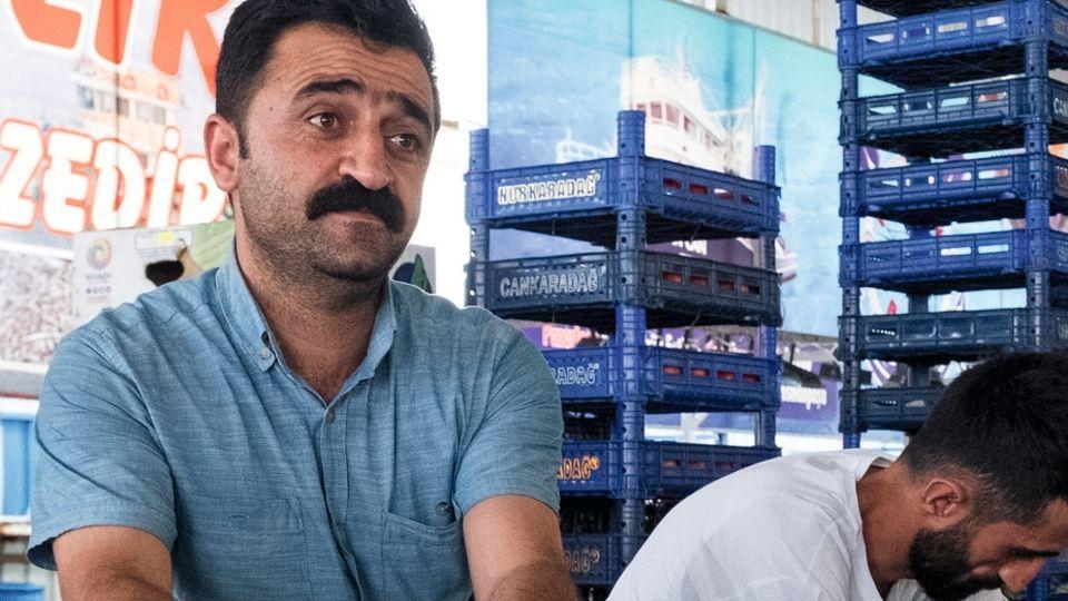 Zum Gemüsehändler Ferhat Akin kam Imamoglu als Bezirksbürgermeister sogar nach Hause. Und bezahlte die Beschneidung seiner Söhne.