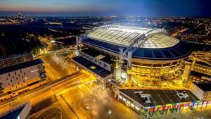 Bei der Amsterdam Arena werden Nissan Leaf Batterien als Speicher eingesetzt
