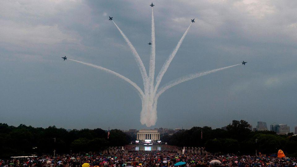 Mehrmals flogen am Nationalfeiertag Militärmaschinen über Washington