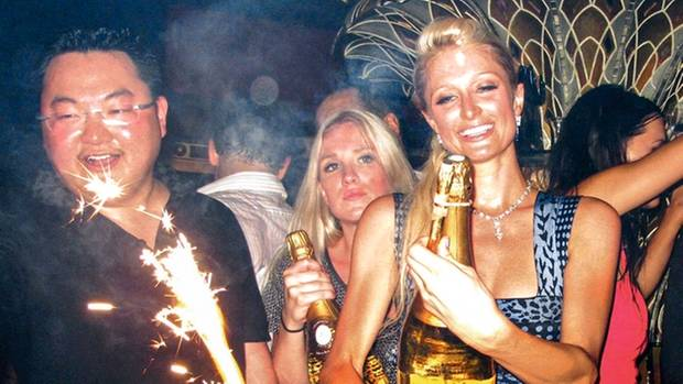 Champagner mit Paris Hilton in Saint-Tropez