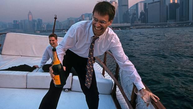 Leissners Weg führte zu ersten Erfolgen in Hongkong 2000 (sitzend im Hintergrund)