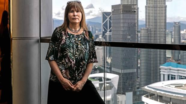 Clare Rewcastle Brown, 60, deckte in ihrem investigativen Blog die korrupten Machenschaften des Duos auf