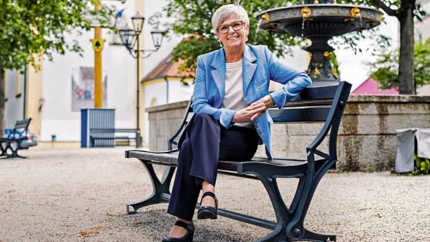 """Rita Röhrl, 65, Landrätin im niederbayerischen Regen (SPD): """"Ob ich seit dem Mord an Walter Lübcke Angst habe? Nein. Angst wäre der erste Schritt in den Untergang. Man darf sich nicht von Emotionen beherrschen lassen, sonst müsste ich vor jedem Bierzelt und jeder Menschenansammlung Angst haben. Ich halte auch nichts von Personenschützern."""""""