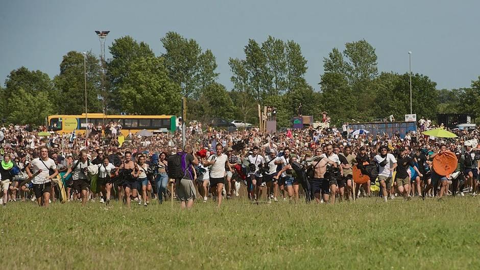 Das Roskilde-Festival 2019 startete mit einem Sturm der Gäste auf den Campingplatz.
