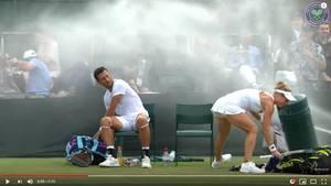"""Das Duo Siegemund/Sitak wird in Wimbledon von einem Sprinkler """"attackiert"""""""