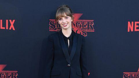 """Maya Hawke auf dem roten Teppich bei Premiere der 3. Staffel von """"Stranger Things"""""""