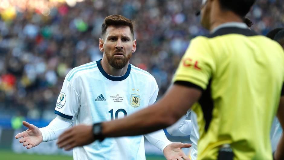 Lionel Messi sieht Rot und versteht die Welt nicht mehr