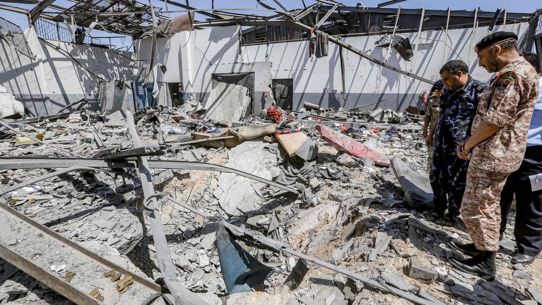 Bei einem Luftangriff auf einInternierungslager für Flüchtlinge in Tajoura östlich von Tripolis starbenmindestens 53 Menschen