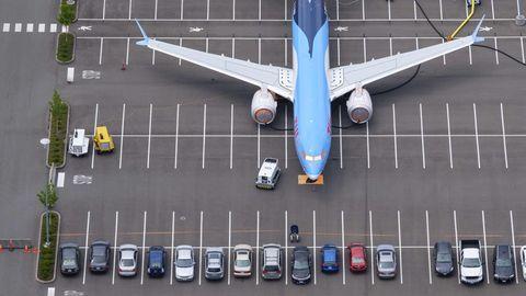 Boeing 737 MAX auf Parkplatz