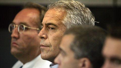Bereits 2007 ermittelten die Behörden wegen Sexhandels mit Minderjährigen gegen US-Milliardär Jeffrey Epstein
