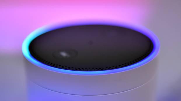 Der Lautsprecher Amazon Echo mit dem Alexa Voice Service
