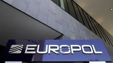 Nach Europol-Angaben wurden insgesamt rund 3,8 Millionen Dopingmittel und gefälschte Medikamente sichergestellt