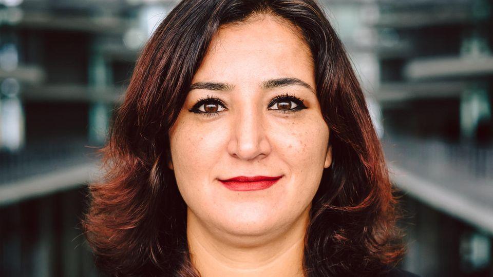 Gökay Akbulut ist integrations- und migrationspolitische Sprecherin der Bundestagsfraktion Die Linke