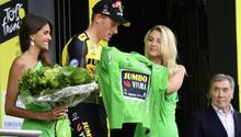 Mann auf dem Siegerpodest bei der Tour de France