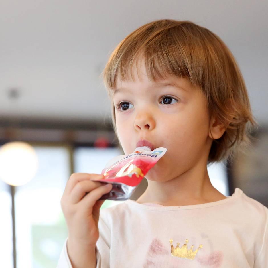 Teure Kalorien: Der Quatsch mit den Quetschies: Warum Experten vom Obst aus der Tüte abraten