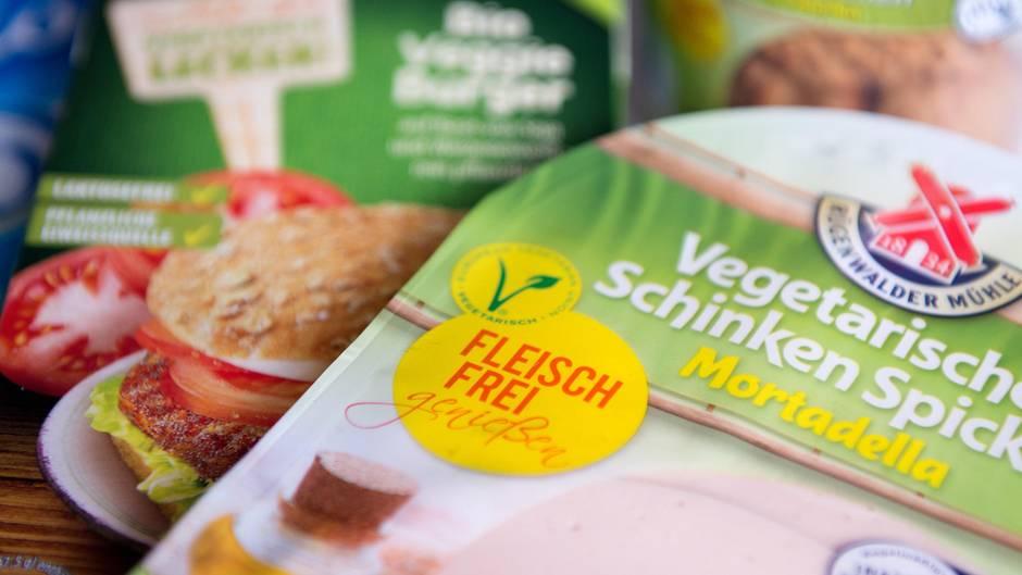 Rügenwalder Mühle stellt Currywurstproduktion ein - für Fleischalternativen