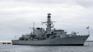 Begleitschiff rettet britischen Tanker vor Kaperung durch Iran