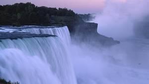 News heute - Sturz Niagarafall