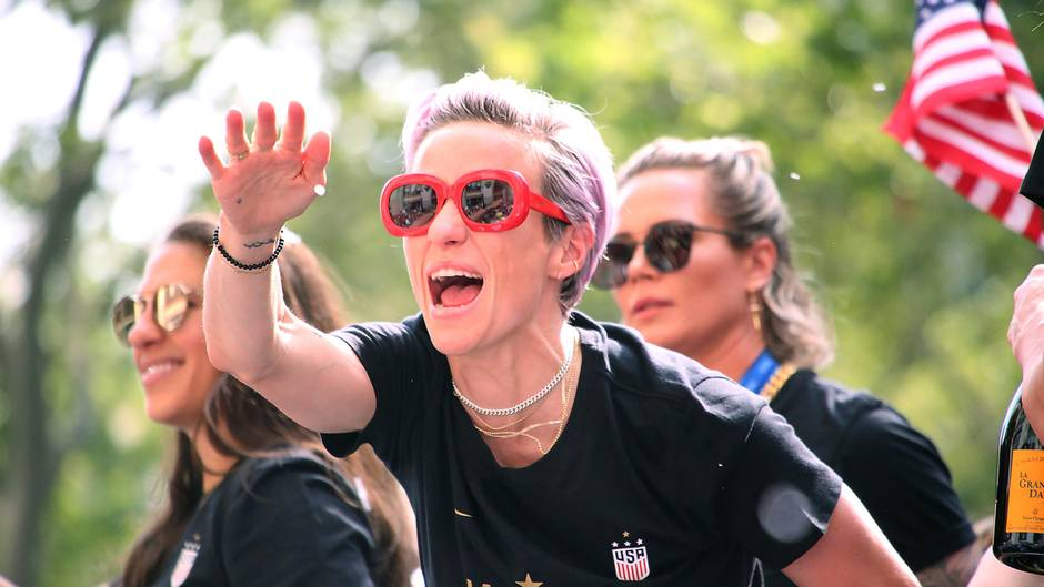 News im Video: US-Weltmeisterinnen lassen sich feiern – nächste Breitseite für Trump