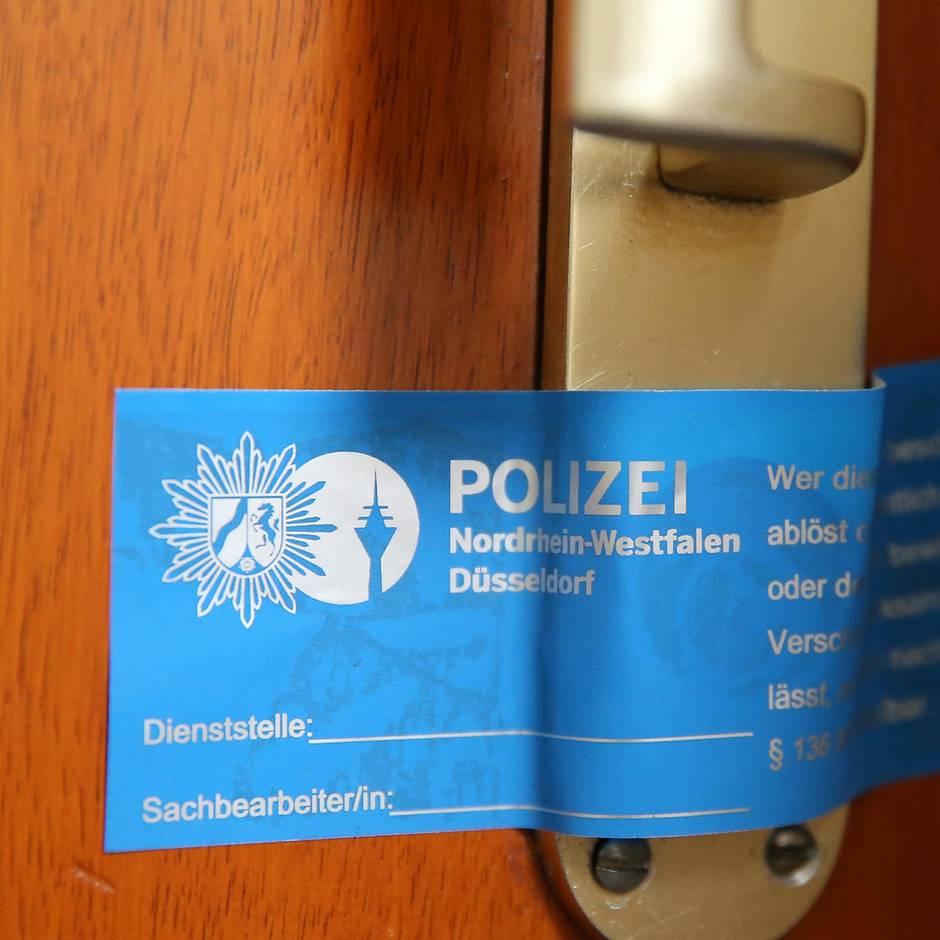 Nachrichten aus Deutschland: Überfordert: 53-Jähriger lebt monatelang mit seiner toten Mutter unter einem Dach