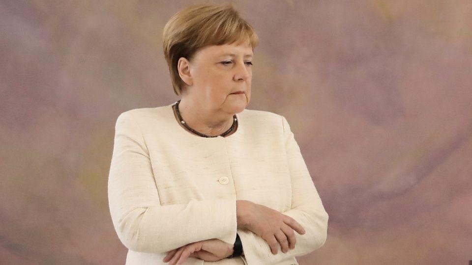 Bundeskanzlerin Angela Merkel während eines ihrer Zitteranfälle