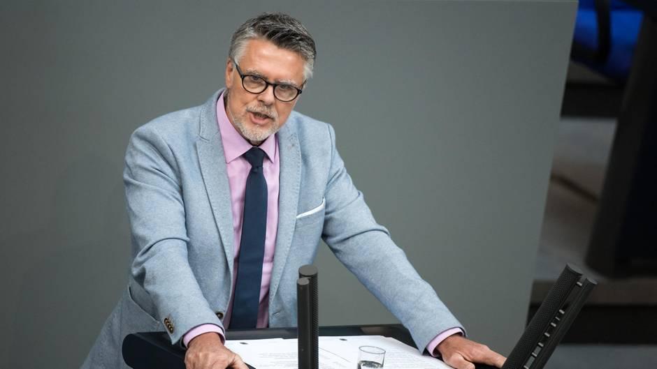 Uwe Kamann, ehemals AfD-Bundestagsabgeordneter und -Parteimitglied, bei einer Rede im Bundestag