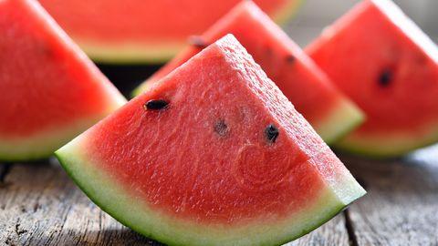 So sollte die Wassermelone aussehen: knackig und fruchtig zugleich. Aber wie erkannt man, ob eine Wassermelone den perfekten Reifegrad hat? Wir geben Tipps.