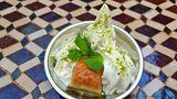 Das Beste kommt zum Schluss: Ayran-Soft-Eis mit Baklava