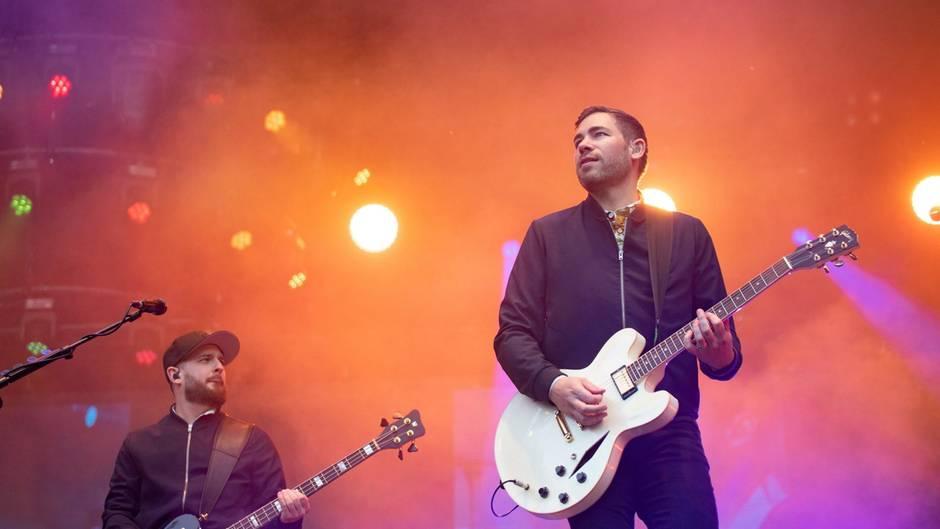 Die Band Revolverheld bei einem Live-Konzert