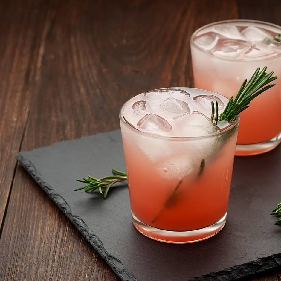 Spirituosen-Trend: Warum plötzlich alle wild auf pinkfarbenen Gin sind