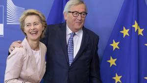 Der scheidende EU-Kommissionspräsident Jean-Claude Juncker und seine mögliche Nachfolgerin Ursula von der Leyen.