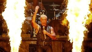 Till Lindemann bei einem Rammstein-Konzert