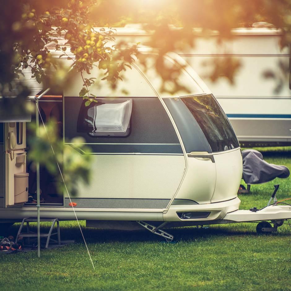 Nachrichten aus Deutschland: Jugendlichen randalieren auf Campingplatz und bedrohen Urlauber - Polizeieinsatz