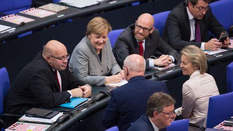 Verteidigungsminister Tauber Altmaier Leyen Merkel