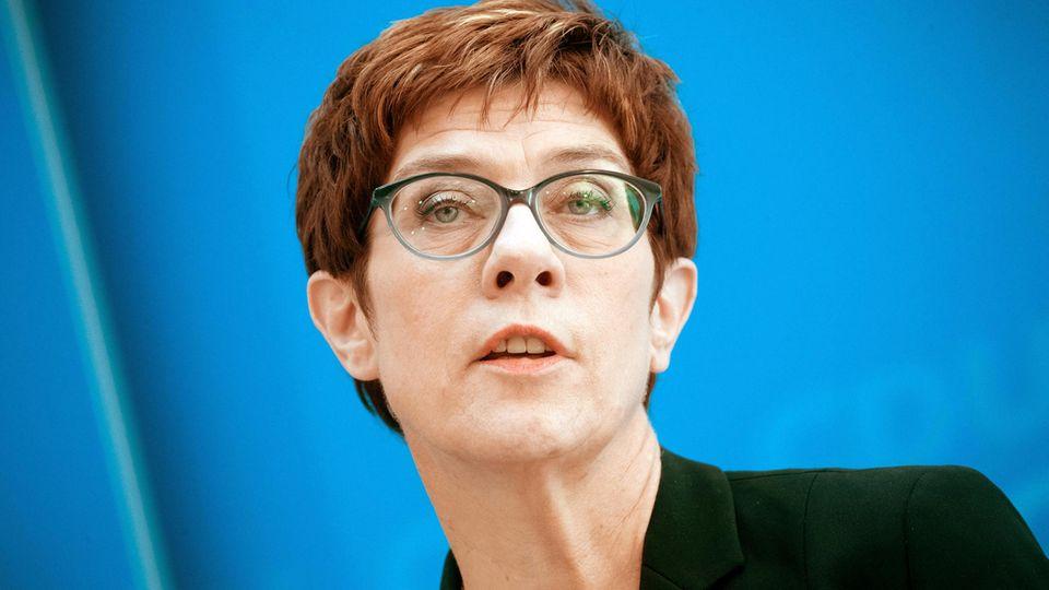 Annegret Kramp-Karrenbauer neue Verteidigungsministerin