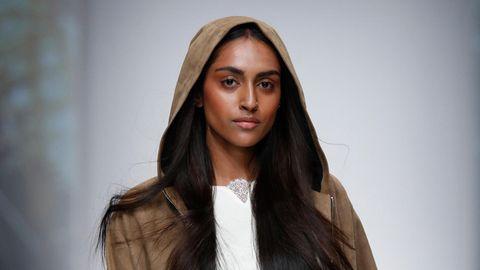 GNTM: Jetzt äußert sich auch Sayana zu Simones Fashion Week-Fehltritt