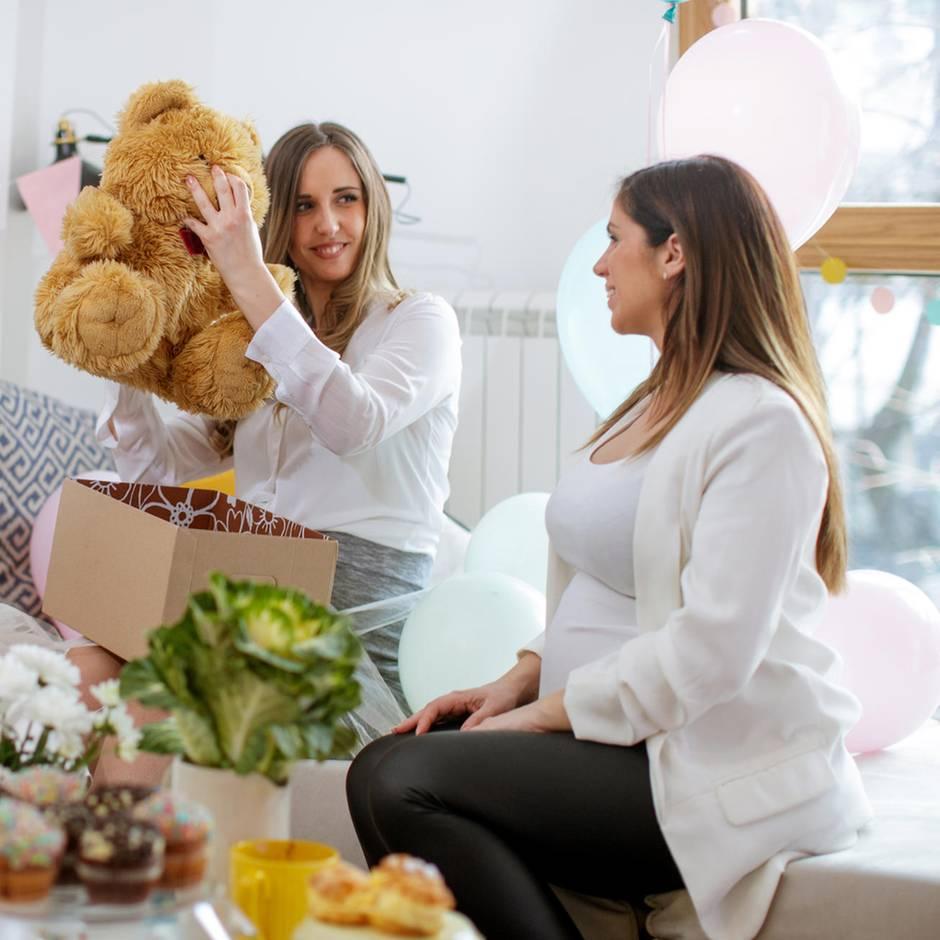 Babys willkommen heißen : Mit diesen elf Geschenken machst du werdenden Eltern eine Freude