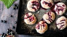 """Englische """"Eccles Cakes"""" vermählen den herbsüßen Beerensaft mit buttriger Süße"""