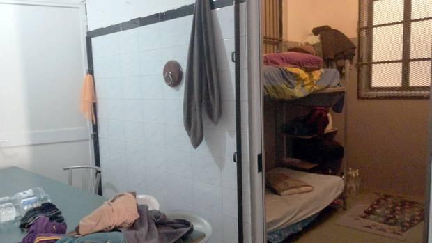 Blick in Küche und Schlafzimmer der Unterkunft