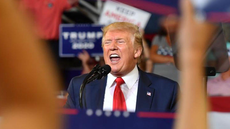 US-Präsident Donald Trump bei einer WahlkampfredeimMinges Coliseum in Greenville, North Carolina
